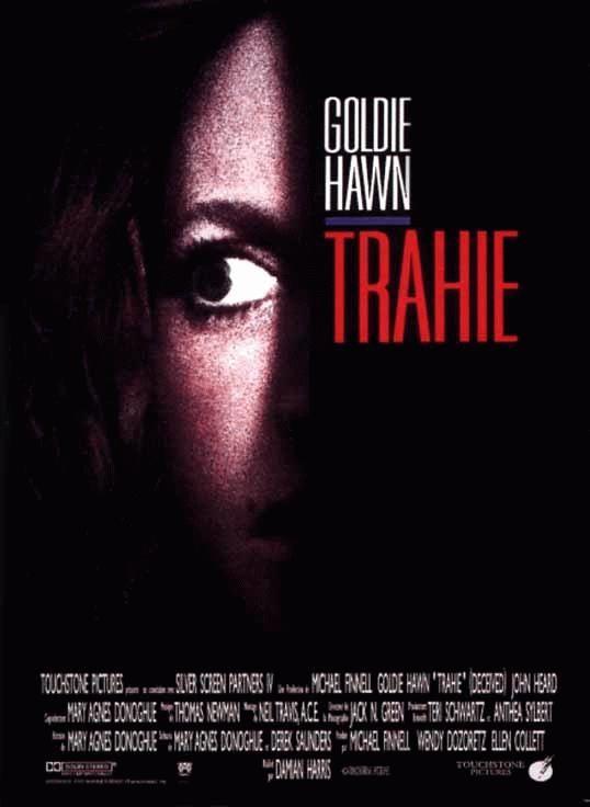 affiche du film Trahie