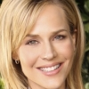 portrait Julie Benz