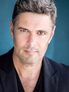 Carlos Bernard