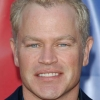 portrait Neal McDonough