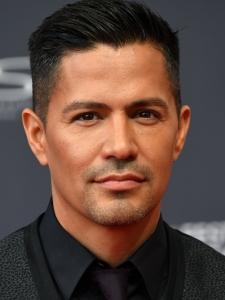 Jay Hernández