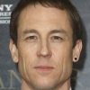 portrait Tobias Menzies