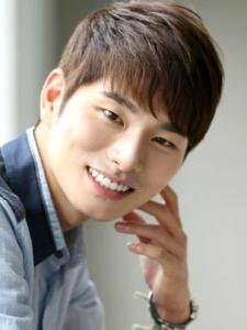 Yi-Kyung Lee