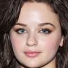 portrait Joey King