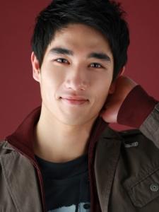 Tae-Goo Um