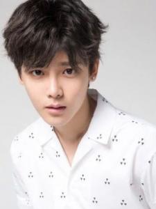 Minghao Hou