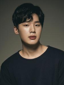 Kim (2) Dong-Hee