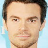 portrait Daniel Gillies