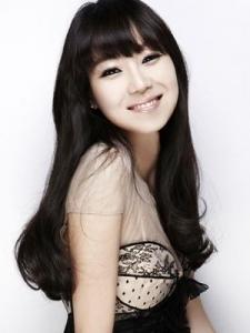 Hyo-Jin Gong