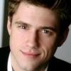 portrait Aaron Tveit