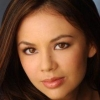 portrait Janel Parrish