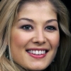 portrait Rosamund Pike