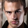 portrait Theo James