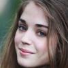 portrait Alice Isaaz