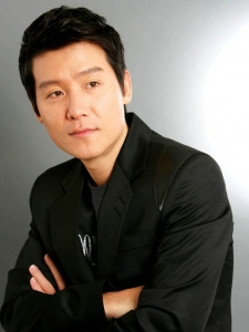 Hyun-Woo Lee