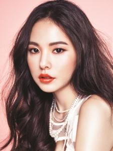 Hyo-Rin Min