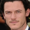 portrait Luke Evans