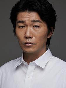 Tsutomu Takahashi