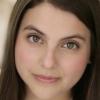 portrait Beanie Feldstein