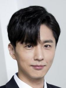 Shin Dong-Wook